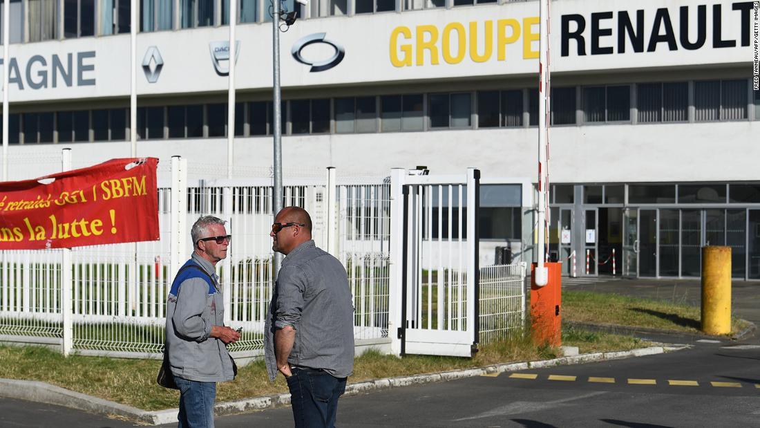 Renault to announce 14,600 jobs as coronavirus harms car industry