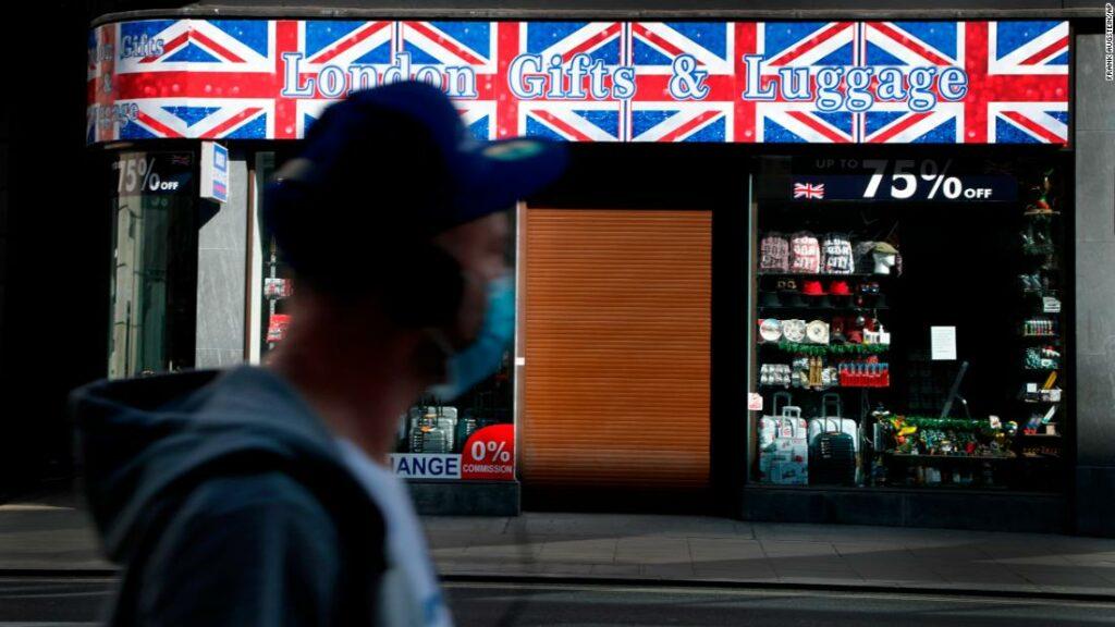 UK coronavirus covid 19 pandemic response boris johnson cummings lockdown robertson pkg intl ldn vpx_00004009
