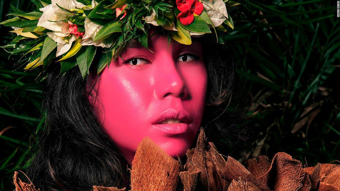 Live portraits of Namsa Leuba captured Tahiti's 'third gender'