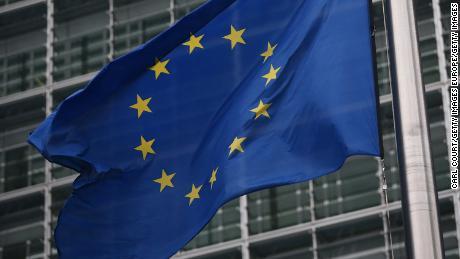 European Union recommends blocking passengers, including Americans, due to coronavirus