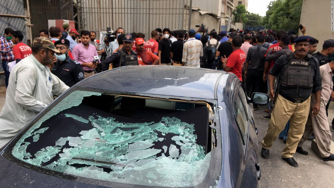 Photo of Pakistan Stock Exchange: Armed storm in Mulitple Karachi dies after PSX