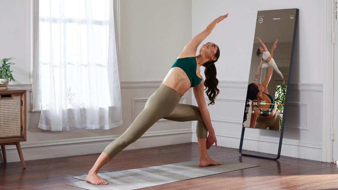 Photo of Lululemon to buy home fitness starter mirror for $ 500 million