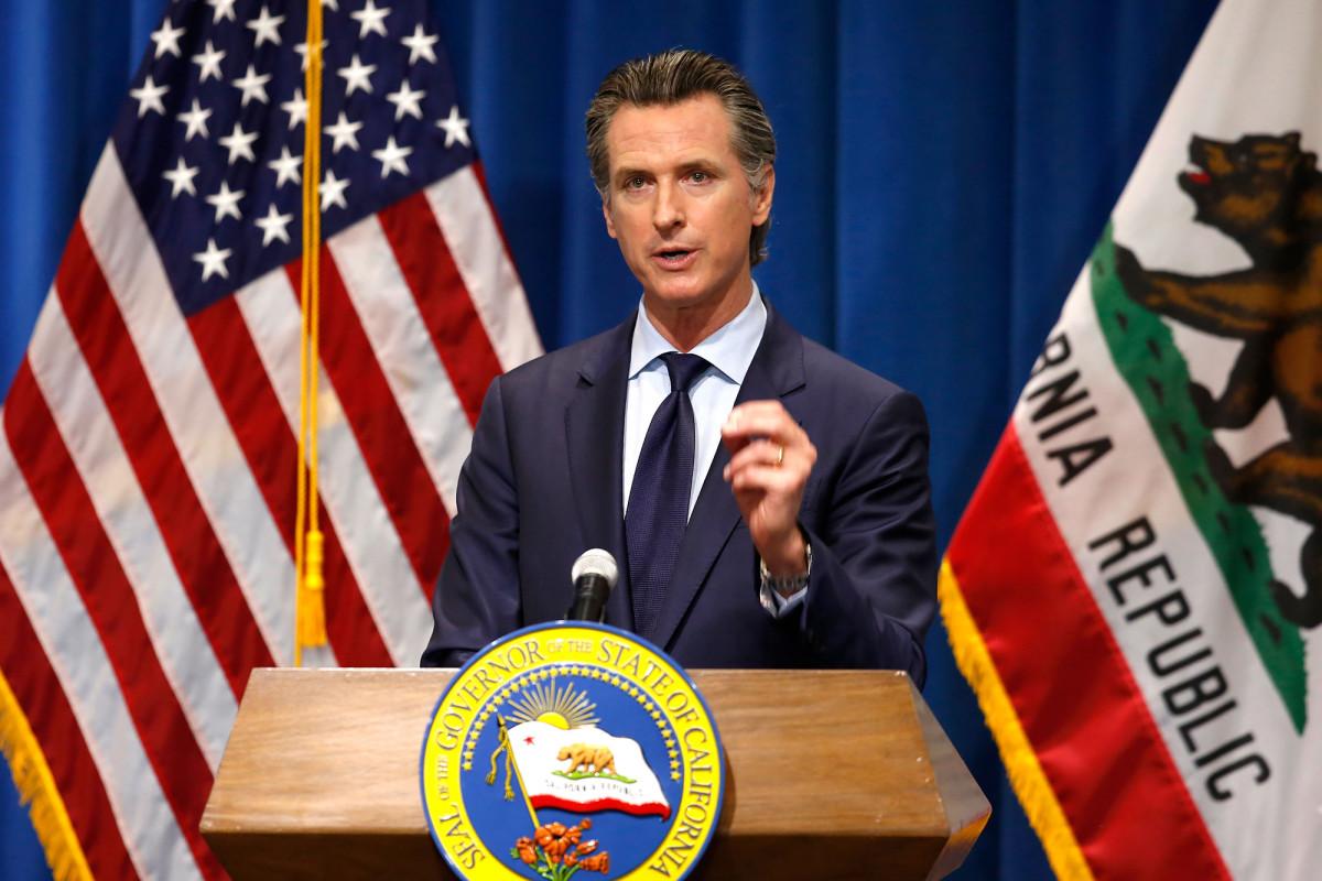 Photo of Gov. Newsom ordered LA bars to close immediately after coronavirus surge