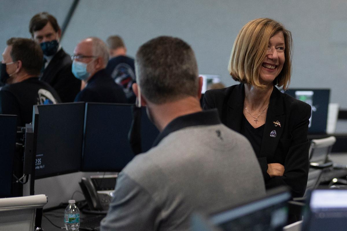 NASA chooses the first woman to start human space flight program