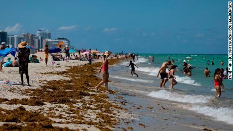 Covid-19 cases increased as Florida began closing down