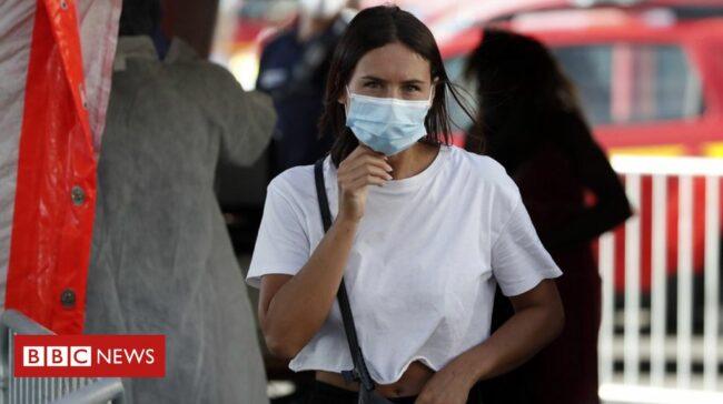 France Covid-19: Mask rule for Parisians amid 'undeniable surge'