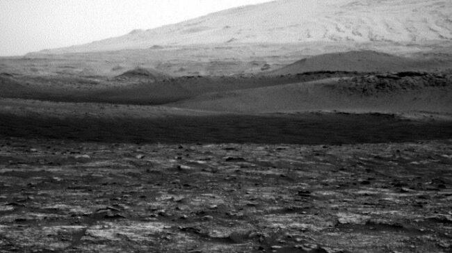 Mars dust devil! Curiosity rover spots Red Planet twister (photos)