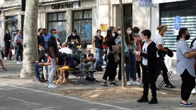 People wait in line at a testing site for coronavirus disease (COVID-19) in Paris, France, September 11, 2020. REUTERS/Charles Platiau